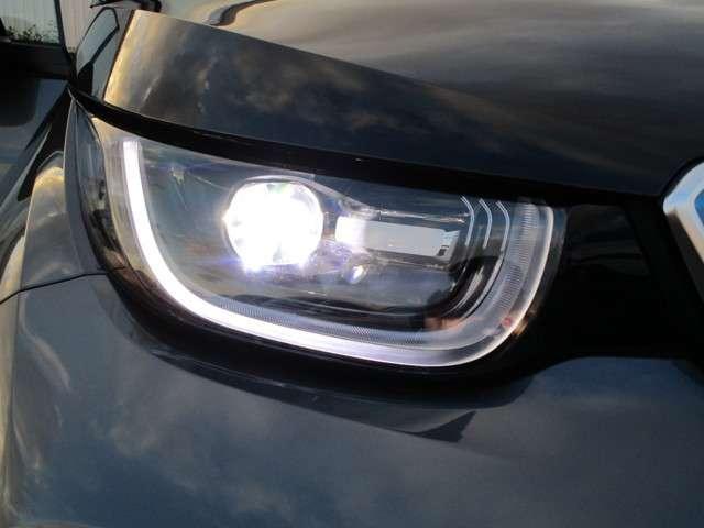 LEDヘッドランプ。見た目のかっこよさだけではなく夜間の視認性も良好です!