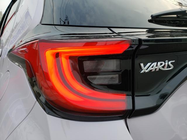 ハイブリッドZ トヨタセーフティセンス ディスプレイオーディオ パノラミックビュー 3灯LEDライト オートハイビーム 誤発進抑制 クルコン 先行車発進通知 キーフリー プッシュスタート ステアリングスイッチ(23枚目)