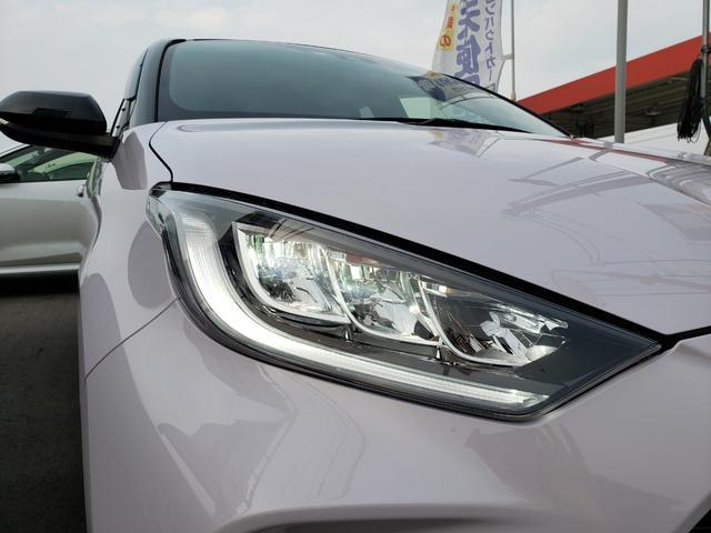 ハイブリッドZ トヨタセーフティセンス ディスプレイオーディオ パノラミックビュー 3灯LEDライト オートハイビーム 誤発進抑制 クルコン 先行車発進通知 キーフリー プッシュスタート ステアリングスイッチ(24枚目)