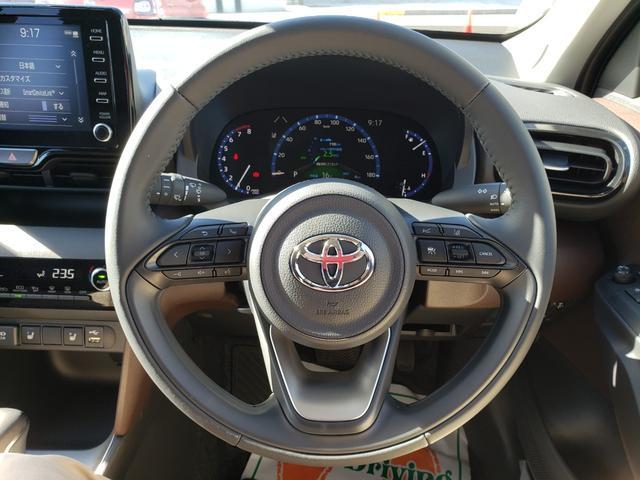 Z 登録済未使用車 トヨタセーフティーセンス ルーフレール 8インチディスプレイオーディオ 6スピーカー 運転席パワーシート バニティランプ シートヒーター LED(6枚目)