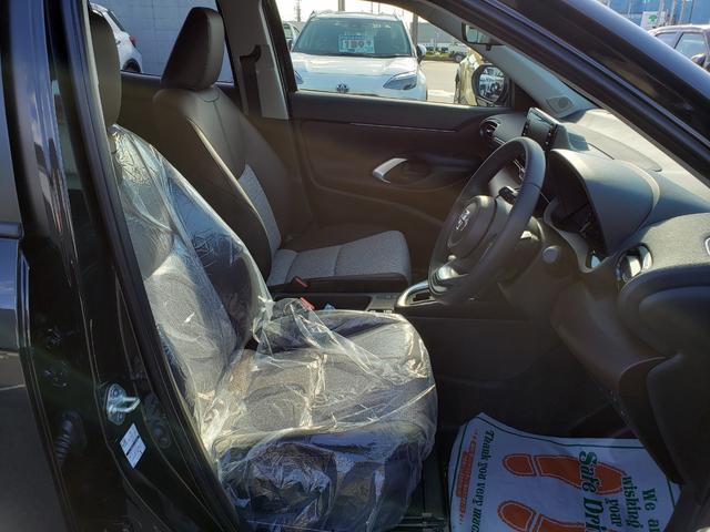 Z 登録済未使用車 トヨタセーフティーセンス ルーフレール 8インチディスプレイオーディオ 6スピーカー 運転席パワーシート バニティランプ シートヒーター LED(17枚目)