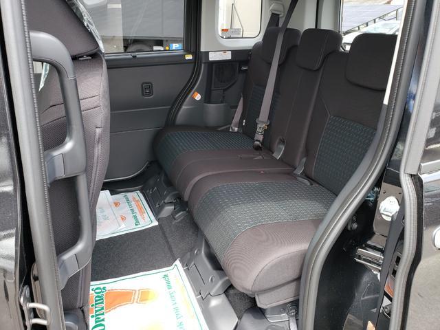 カスタムG-T 登録済未使用車 9インチディスプレイオーディオ フルセグ パノラミックビューモニター 電動パーキング クルーズコントロール 15インチアルミホイール(18枚目)