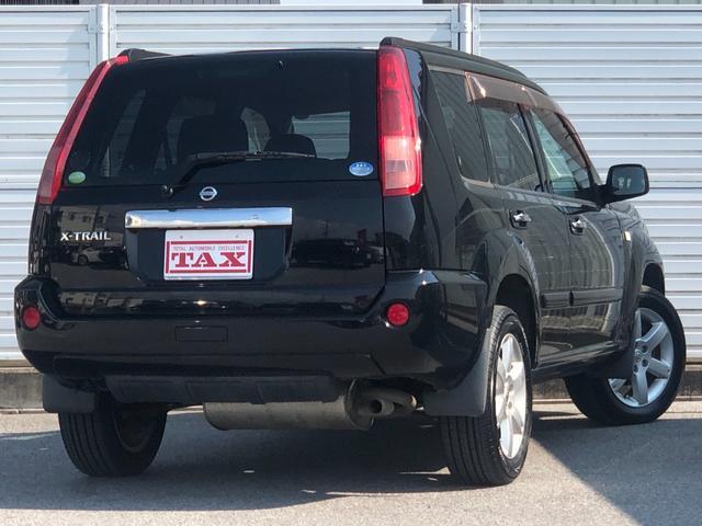 X ワンオーナー・4WD・革シート・シートヒーター・社外HDDナビ・DVD再生・純正17インチAW・ETC・革巻きハンドル・電格ミラー・フロントフォグライト・ヘッドライトレベライザー・純正フロアマット(6枚目)