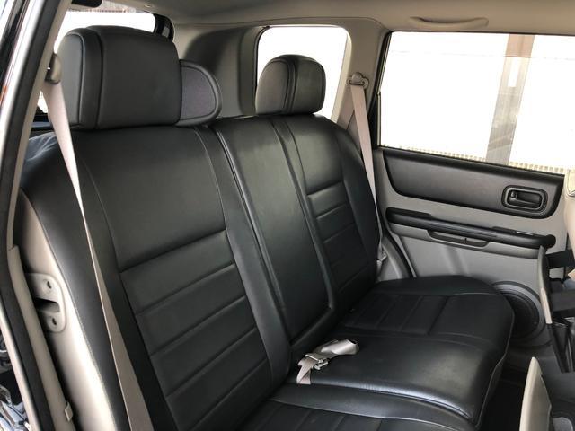 X ワンオーナー・4WD・革シート・シートヒーター・社外HDDナビ・DVD再生・純正17インチAW・ETC・革巻きハンドル・電格ミラー・フロントフォグライト・ヘッドライトレベライザー・純正フロアマット(12枚目)