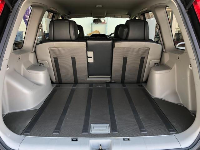 X ワンオーナー・4WD・革シート・シートヒーター・社外HDDナビ・DVD再生・純正17インチAW・ETC・革巻きハンドル・電格ミラー・フロントフォグライト・ヘッドライトレベライザー・純正フロアマット(14枚目)