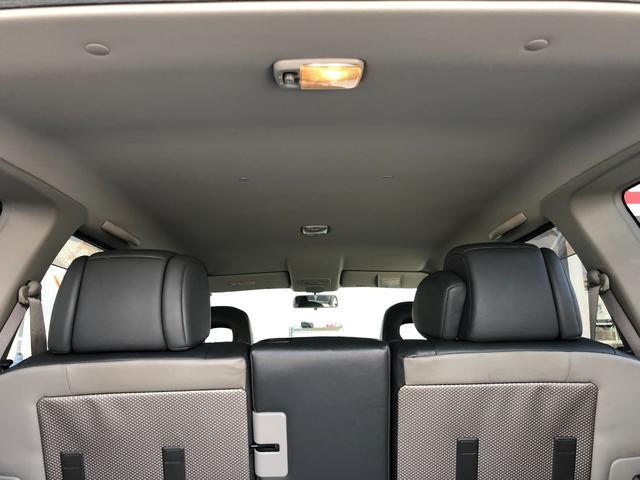 X ワンオーナー・4WD・革シート・シートヒーター・社外HDDナビ・DVD再生・純正17インチAW・ETC・革巻きハンドル・電格ミラー・フロントフォグライト・ヘッドライトレベライザー・純正フロアマット(15枚目)