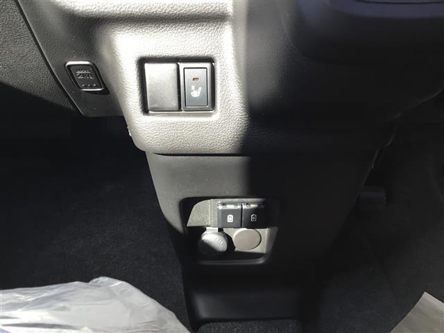ハイブリッドX 届出済未使用車 禁煙車 衝突軽減ブレーキ(13枚目)