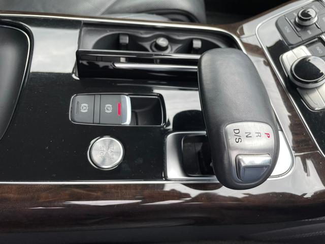 3.0TFSIクワトロ 4WD!ナビ・ETC付(47枚目)