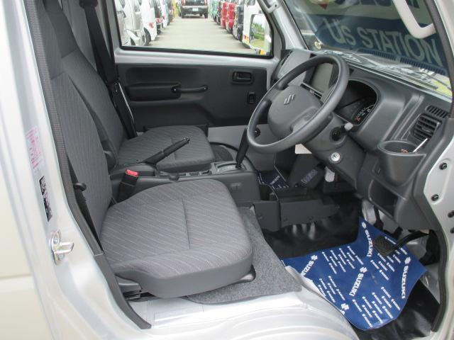 リクライニング機能付きの運転席シート