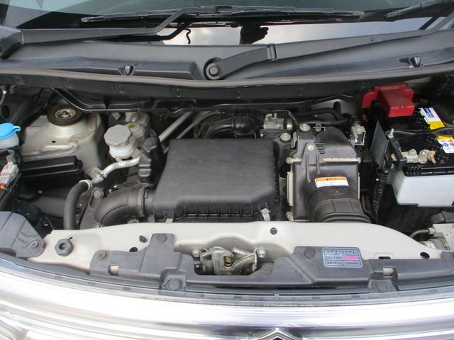 初期のエネチャージです。のでモーターアシストはありません。しかし燃費を良くする為のアイドリングストップとリチウムイオンバッテリーに充電できるエネチャージ付き。