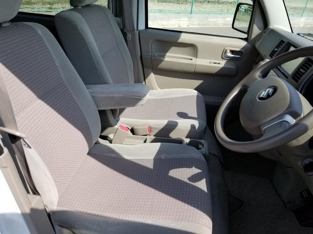 お体が直接触れるシートが汚いと嫌ですよね?その点このお車は、元々綺麗な状態で仕入れをしている上、スタッフ丹念にクリーニングしておりますので非常に綺麗です♪
