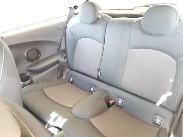 クーパーD アイドリングストップ 修復歴無 キーレス 社外 メモリーナビ ETC ABS バックモニター 衝突安全ボディ エンジンスタートボタン シートヒーター 前席 ヘッドランプ LED オートエアコン(6枚目)