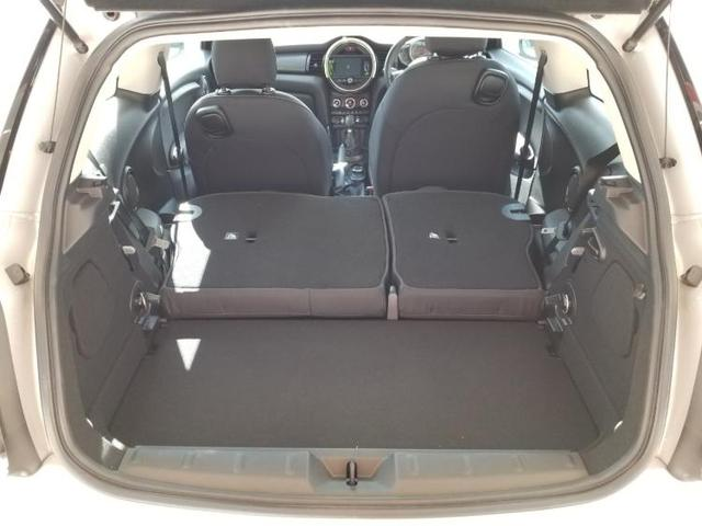 クーパーD アイドリングストップ 修復歴無 キーレス 社外 メモリーナビ ETC ABS バックモニター 衝突安全ボディ エンジンスタートボタン シートヒーター 前席 ヘッドランプ LED オートエアコン(8枚目)