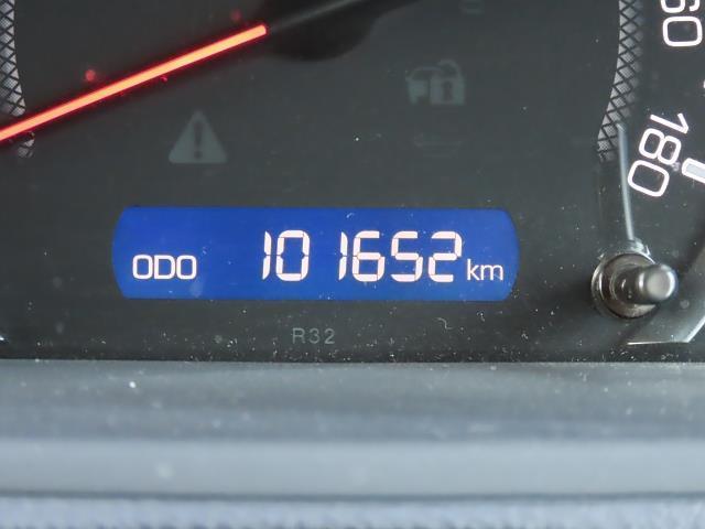 走行距離は写真撮影時で101,652キロです☆彡