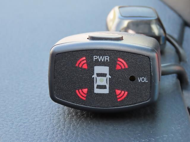 """車両前後の障害物を検知して警告してくれる""""コーナーセンサー""""!視認しずらい障害物も検知するので狭い場所での駐車も安心です☆"""