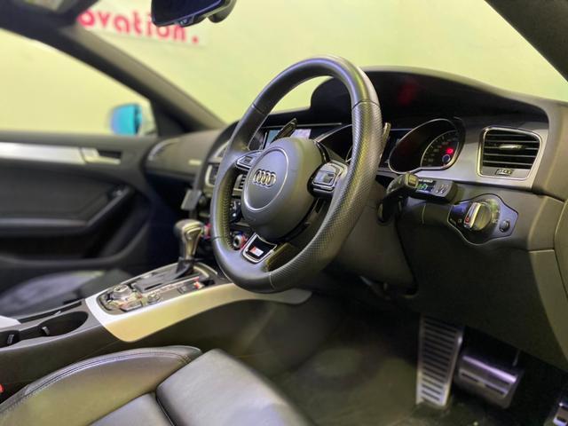 TRADEオリジナルTシャツ、ステッカー、ナンバーボルト、エンブレム、LEDバルブ(ナンバー灯)など取り扱っております!ファッショナブルなお車でドライブをお楽しみ下さいませ!