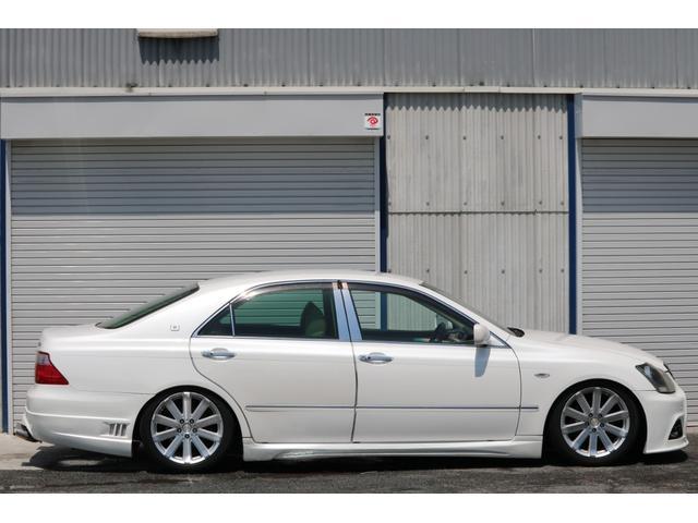 ロイヤルサルーン スピンドルエアロ RS-R車高調 社外アルミホイール HIDヘッドライト ETC レザー調シートカバー CD スマートキー パワーシート エアバック ABS 電動格納ミラー(14枚目)
