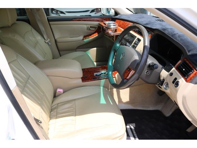 ロイヤルサルーン スピンドルエアロ RS-R車高調 社外アルミホイール HIDヘッドライト ETC レザー調シートカバー CD スマートキー パワーシート エアバック ABS 電動格納ミラー(18枚目)