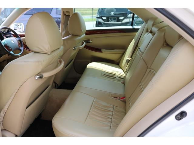 ロイヤルサルーン スピンドルエアロ RS-R車高調 社外アルミホイール HIDヘッドライト ETC レザー調シートカバー CD スマートキー パワーシート エアバック ABS 電動格納ミラー(19枚目)