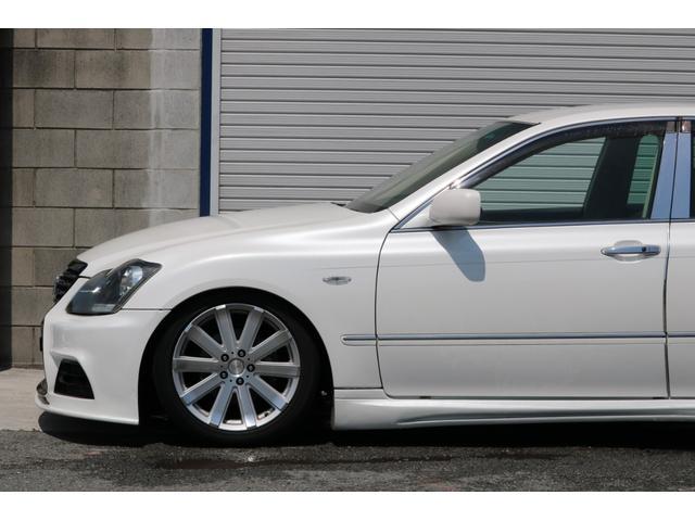 ロイヤルサルーン スピンドルエアロ RS-R車高調 社外アルミホイール HIDヘッドライト ETC レザー調シートカバー CD スマートキー パワーシート エアバック ABS 電動格納ミラー(31枚目)