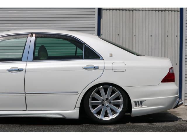 ロイヤルサルーン スピンドルエアロ RS-R車高調 社外アルミホイール HIDヘッドライト ETC レザー調シートカバー CD スマートキー パワーシート エアバック ABS 電動格納ミラー(32枚目)