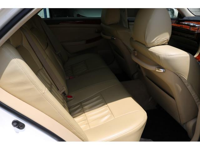 ロイヤルサルーン スピンドルエアロ RS-R車高調 社外アルミホイール HIDヘッドライト ETC レザー調シートカバー CD スマートキー パワーシート エアバック ABS 電動格納ミラー(39枚目)