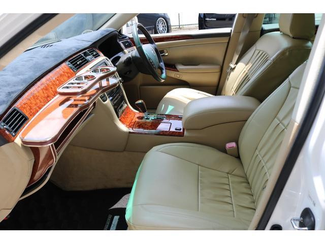 ロイヤルサルーン スピンドルエアロ RS-R車高調 社外アルミホイール HIDヘッドライト ETC レザー調シートカバー CD スマートキー パワーシート エアバック ABS 電動格納ミラー(43枚目)