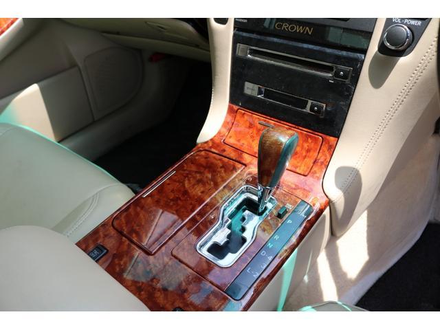 ロイヤルサルーン スピンドルエアロ RS-R車高調 社外アルミホイール HIDヘッドライト ETC レザー調シートカバー CD スマートキー パワーシート エアバック ABS 電動格納ミラー(45枚目)