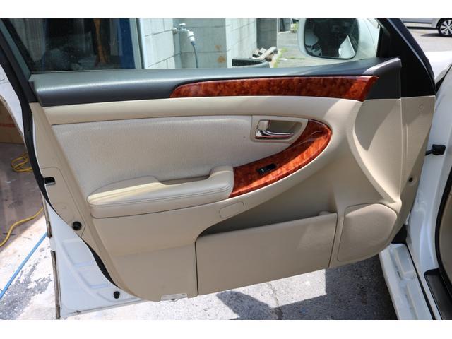 ロイヤルサルーン スピンドルエアロ RS-R車高調 社外アルミホイール HIDヘッドライト ETC レザー調シートカバー CD スマートキー パワーシート エアバック ABS 電動格納ミラー(74枚目)