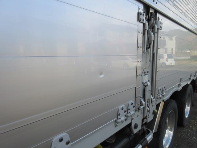 「その他」「ギガ」「トラック」「兵庫県」の中古車18