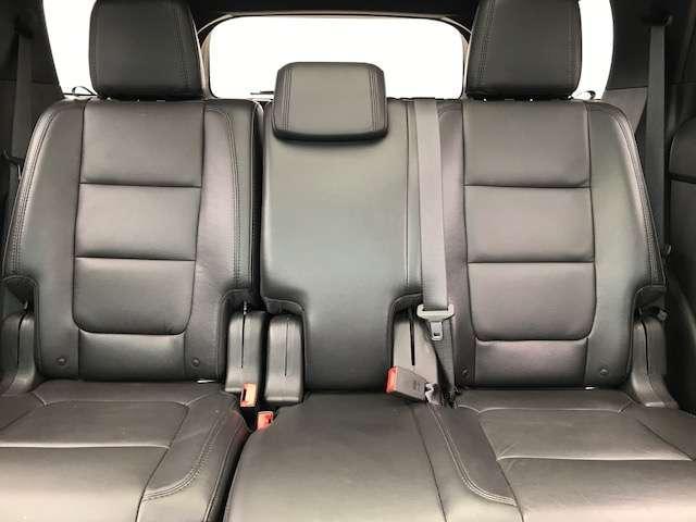 フォード フォード エクスプローラー XLT エコブースト エクスクルーシブ 革シート サンルーフ