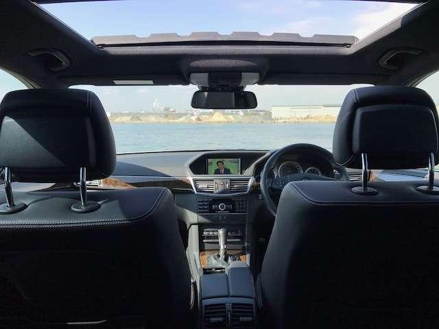 サンルーフ付いております!開放感のあるドライブをお楽しみ下さい!!