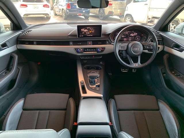 運転席、助手席広々しております!大人の方でもゆったりご乗車いただけます!!