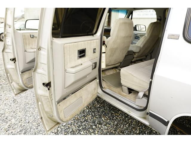 「シボレー」「シボレーサバーバン」「SUV・クロカン」「兵庫県」の中古車16