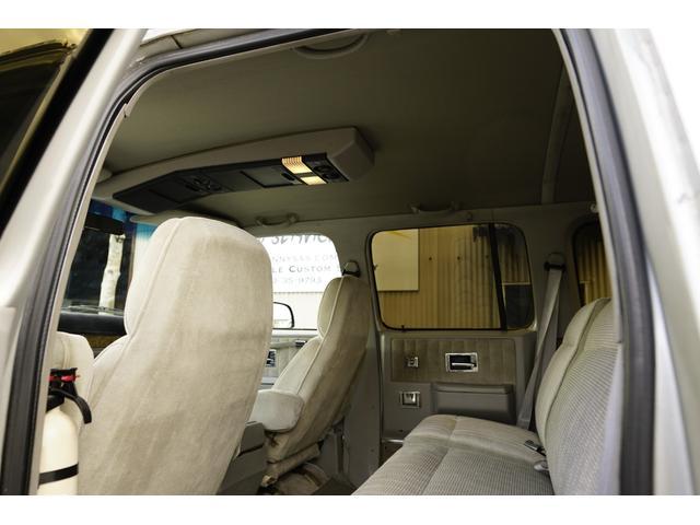 「シボレー」「シボレーサバーバン」「SUV・クロカン」「兵庫県」の中古車18