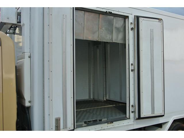 冷蔵冷凍車 東プレ製-30℃設定 積載量2000kg(13枚目)