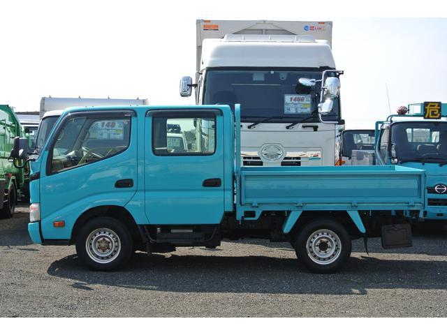 Wキャブ 積載1000kg 6人乗り ディゼルMT 4WD(3枚目)
