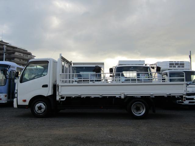 平ボディ 積載量1900kg 全低床 ワイド ロング アオリ開閉補助装置 排出ガス浄化装置 ディーゼル(3枚目)
