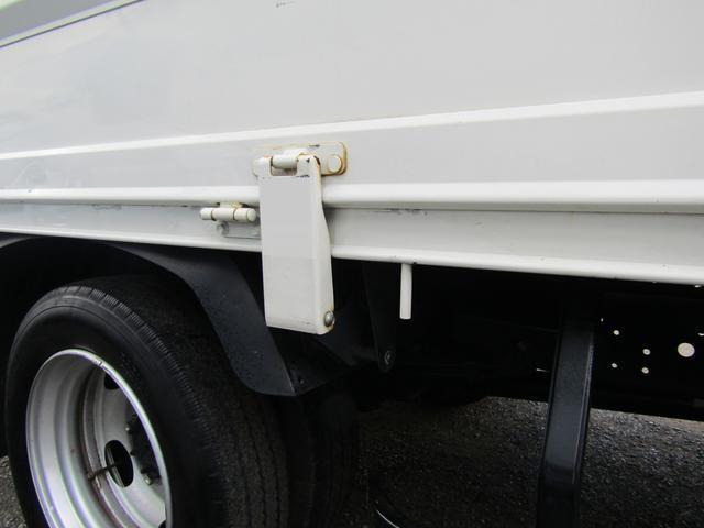 平ボディ 積載量1900kg 全低床 ワイド ロング アオリ開閉補助装置 排出ガス浄化装置 ディーゼル(18枚目)