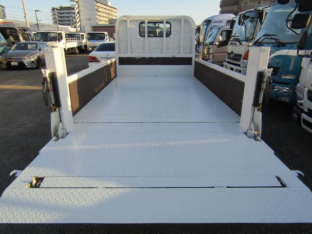 平ボディー パワーゲート付 積載2トン 全低床 10尺(14枚目)