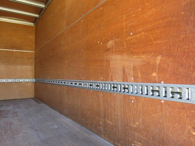 アルミバン ロング 積載3t ラッシングレール バックカメラ アルミバン 積載量3000kg ロング バックカメラ ラッシングレール 6速MT 排出ガス浄化装置 坂道発進補助装置 左パワーミラー ETC(15枚目)