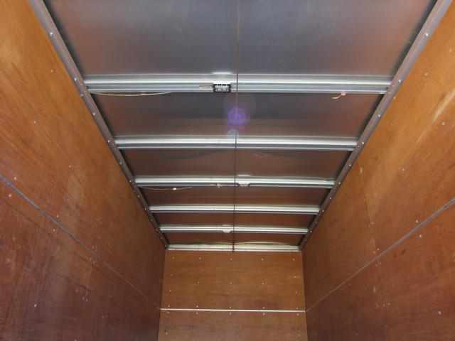 アルミバン ロング 積載3t ラッシングレール バックカメラ アルミバン 積載量3000kg ロング バックカメラ ラッシングレール 6速MT 排出ガス浄化装置 坂道発進補助装置 左パワーミラー ETC(17枚目)
