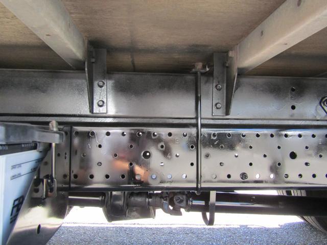 アルミバン ロング 積載3t ラッシングレール バックカメラ アルミバン 積載量3000kg ロング バックカメラ ラッシングレール 6速MT 排出ガス浄化装置 坂道発進補助装置 左パワーミラー ETC(23枚目)
