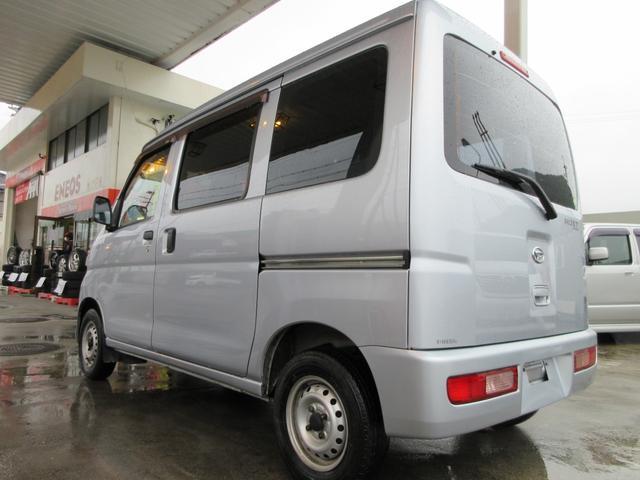 660 スペシャル 4WD 5MT シルバー(11枚目)