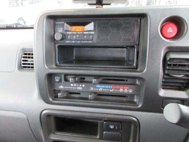 660 スペシャル 4WD 5MT シルバー(20枚目)