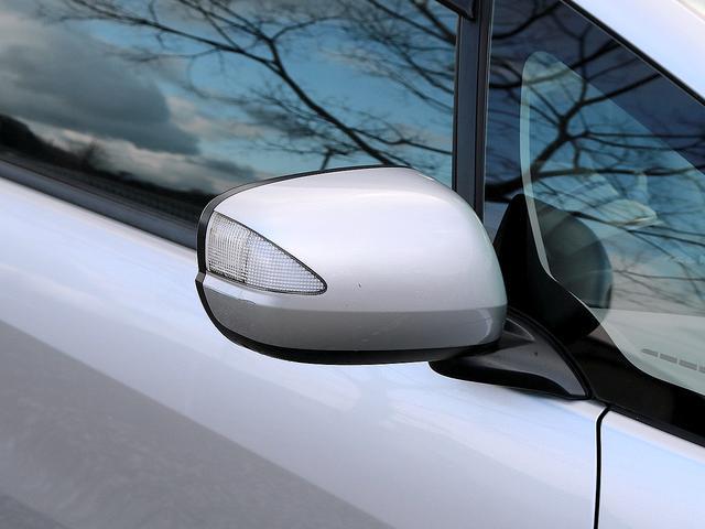 ベースグレード クルーズコントロール ナビ バックカメラ TV ETC キーレス ヘッドライトレベライザー(3段階) 電動格納ミラー ハイブリッド車両(14枚目)