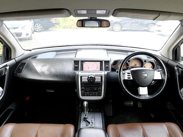 ETC バックカメラ インテリジェントキー 電動シート オートライト オートエアコン ブラウンレザーシート シートヒーター 純正18AW 革巻きステアリング ステアリモコン(4枚目)