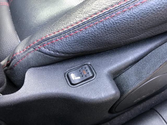 スポルティーバ 2.0 ツインスパークセレS 本革シート 社外SDナビ フルセグ 純正17インチAW F席シートヒーター ETC(12枚目)