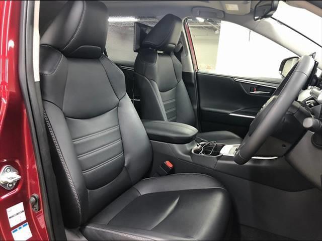 HYBRID G 4WD フローティングナビ フルセグTV トヨタセーフティーセンス レーダークルーズコントロール  レザーシート サンルーフ シートヒーター LEDヘッドライト 18インチAW 1オーナー(6枚目)