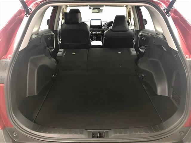 HYBRID G 4WD フローティングナビ フルセグTV トヨタセーフティーセンス レーダークルーズコントロール  レザーシート サンルーフ シートヒーター LEDヘッドライト 18インチAW 1オーナー(18枚目)